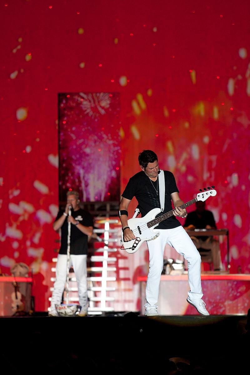 Rascal Flatts @ CMT Music Festival 2011