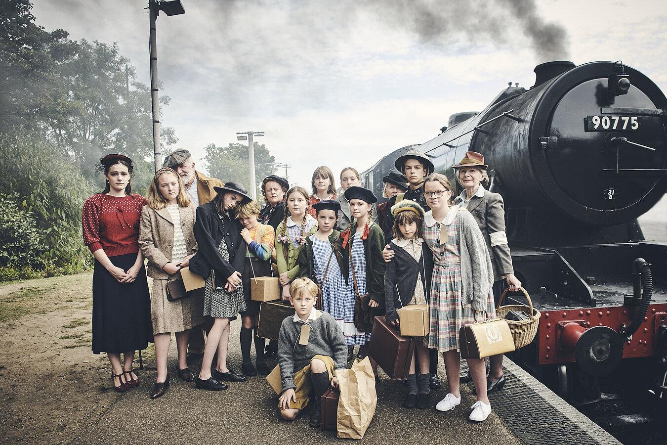 Sheringham Little Theatre- wartime play cast