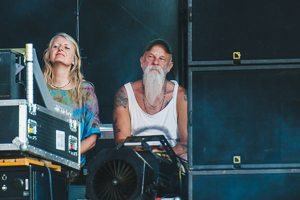 Seasick Steve watching Boomtown Rats side of stage