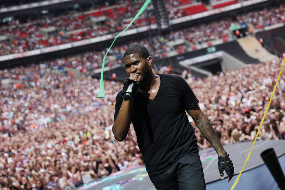 Usher plays to a packed Wembley Stadium