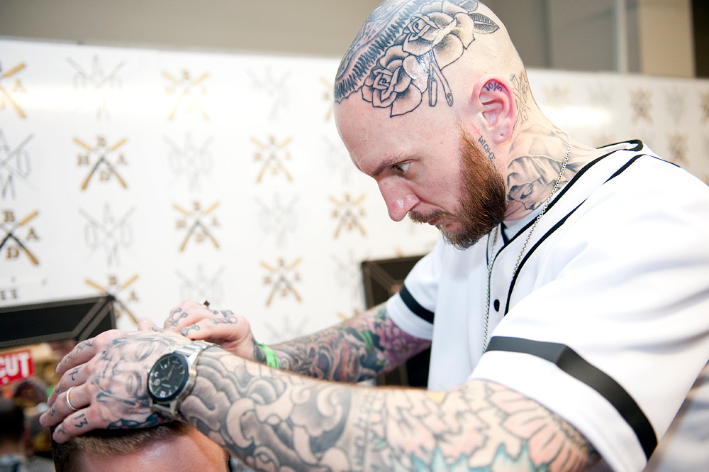 Bengibsonphoto gallery aono brighton tattoo convention - Tattoo dekoltee ...