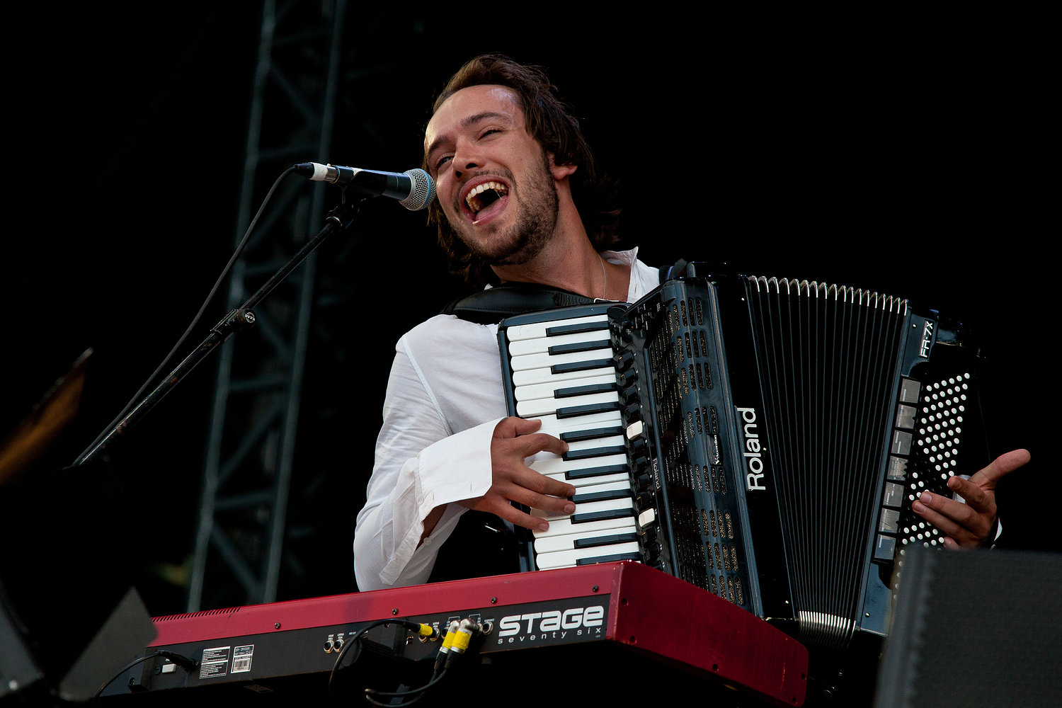 Mumford & Sons supporting Arcade Fire - Hyde Park 2011