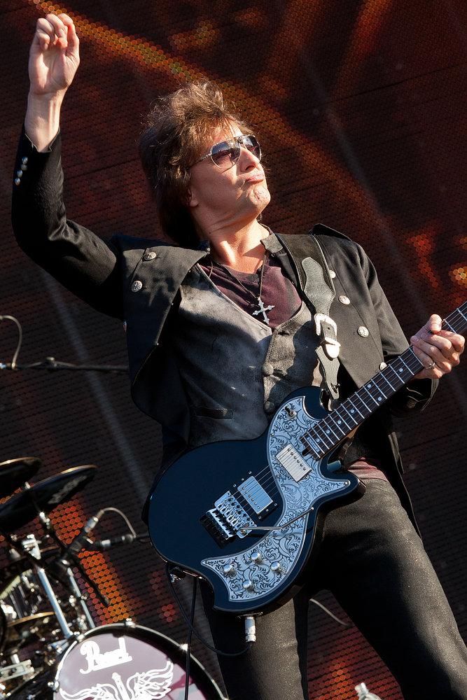 Bon Jovi - Hard Rock Calling 2011