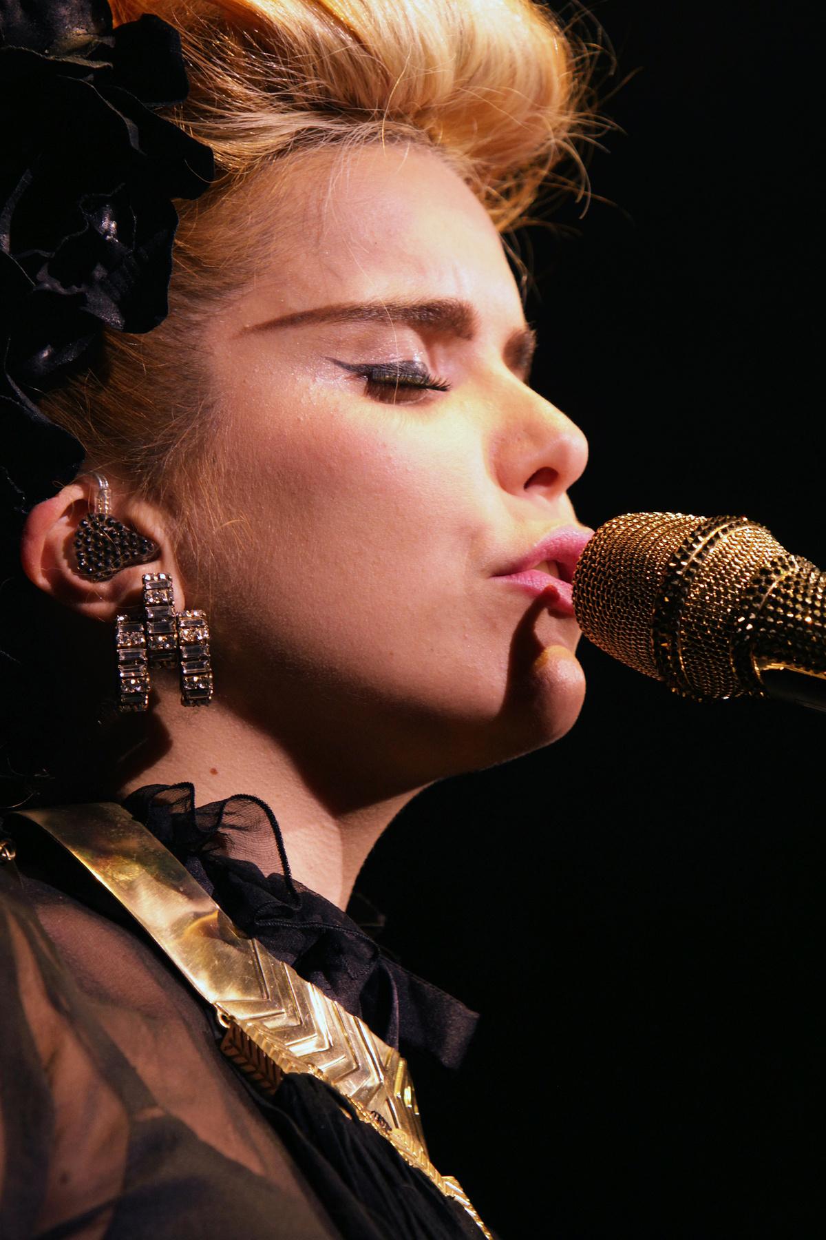 Paloma Faith Live at Leeds O2 January 27th 2013