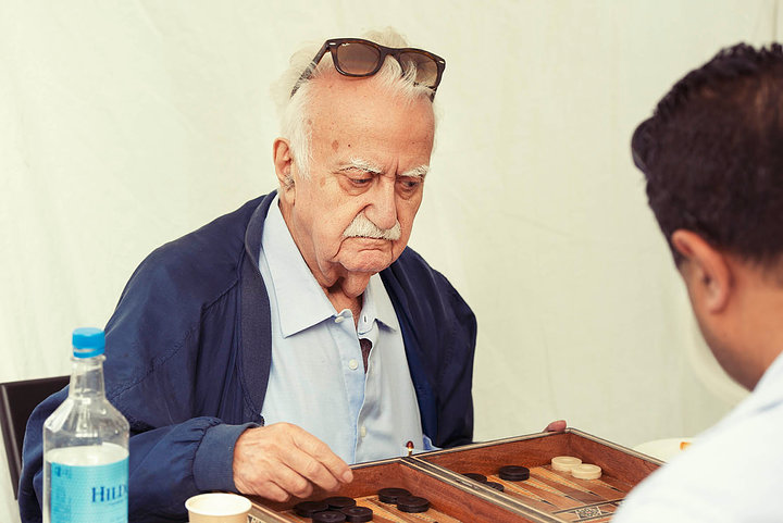 Backgammon Man