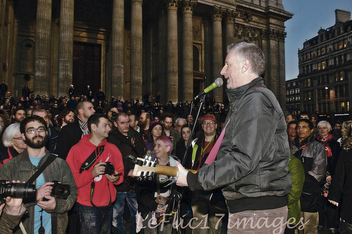 Billy Bragg Plays St Paul's